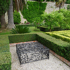 Private Collection, Castel S. Pietro, Italy 2013, untitled, 45x120x120cm, galvanized iron, lacquer, 2012